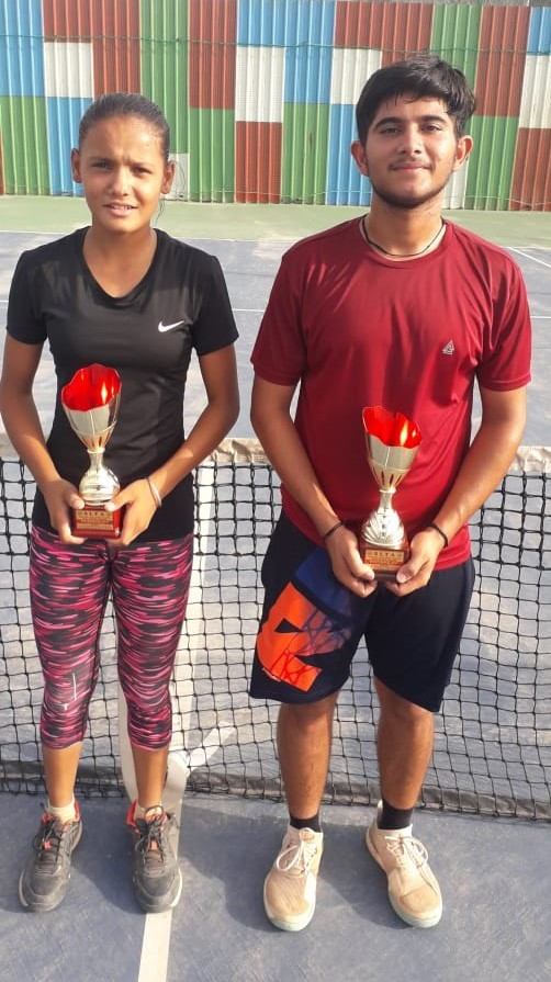 Lawn Tennis Players of Little Angels School won medals in All India Super Series Lawn Tennis Championship